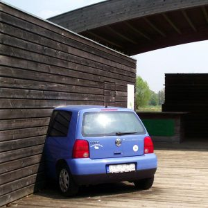 CC0 (Gemeinfrei): Auto in Haus
